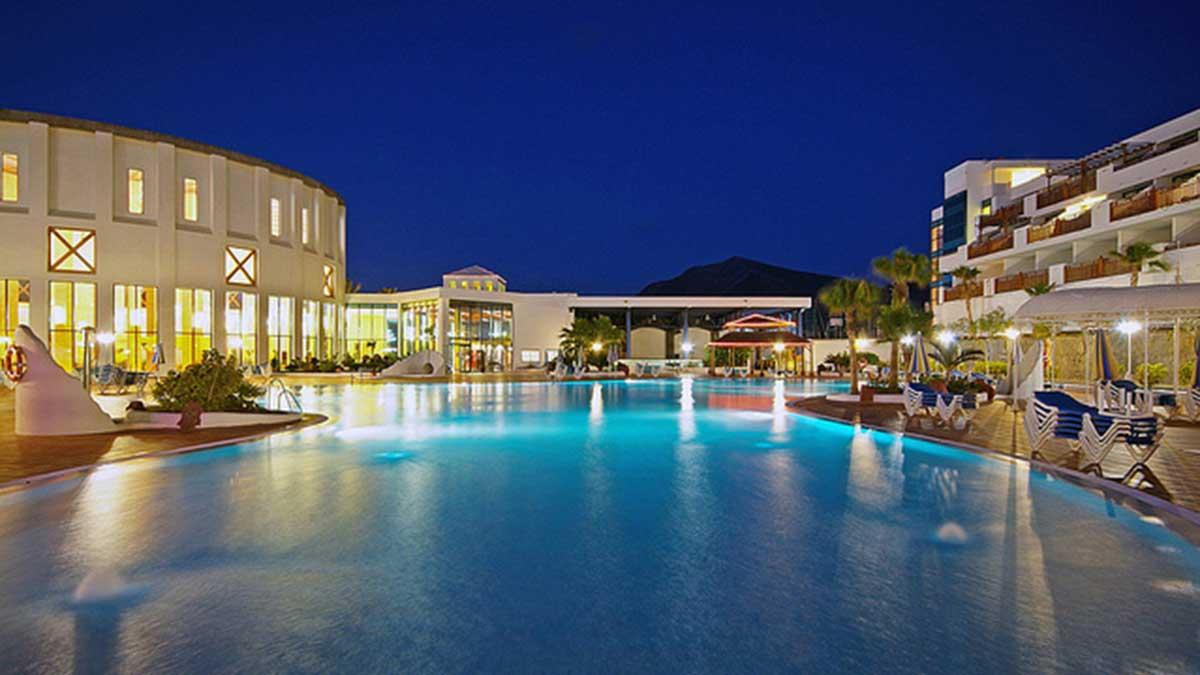 Hotel Papagayo Arena